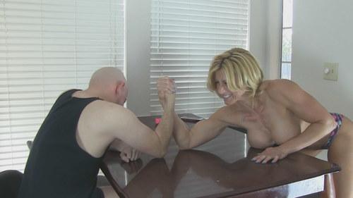 Armwrestling&BallBusting Challenge