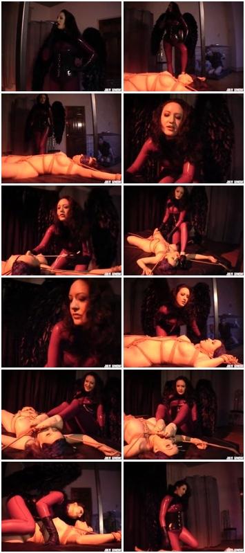 http://ist3-3.filesor.com/pimpandhost.com/1/4/2/7/142775/4/0/Q/l/40Qlf/b.d.s.m_Sex_Slaves_804.mp4.jpg