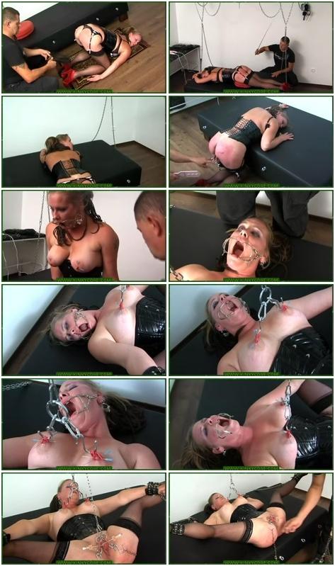 http://ist3-3.filesor.com/pimpandhost.com/1/4/2/7/142775/4/2/0/u/420uR/Female_Humiliation_410.rmvb.jpg