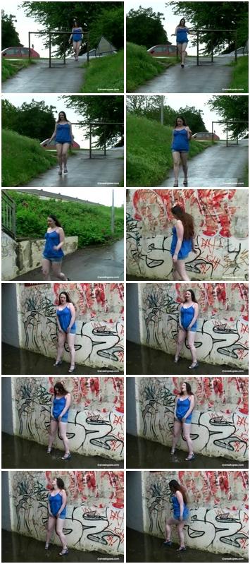 http://ist3-3.filesor.com/pimpandhost.com/1/4/2/7/142775/4/3/b/K/43bKF/Cheerful_Splashes_1338.mpg.jpg