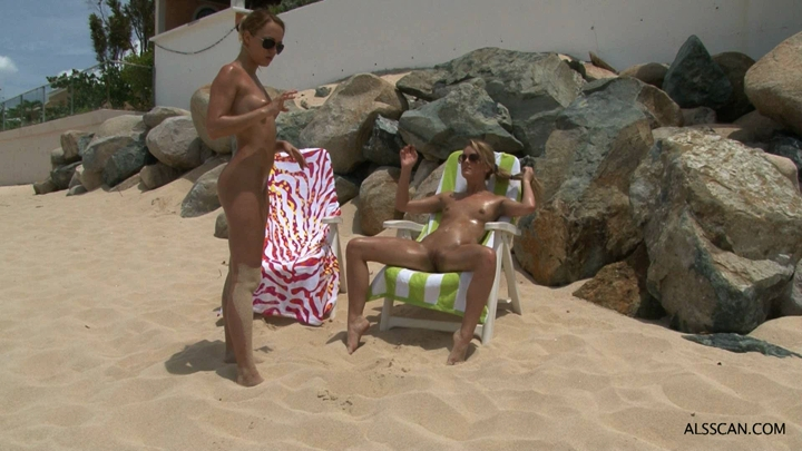 Bottle_Toying_and_Fisting_on_the_Beach.wmv.00002.B3,