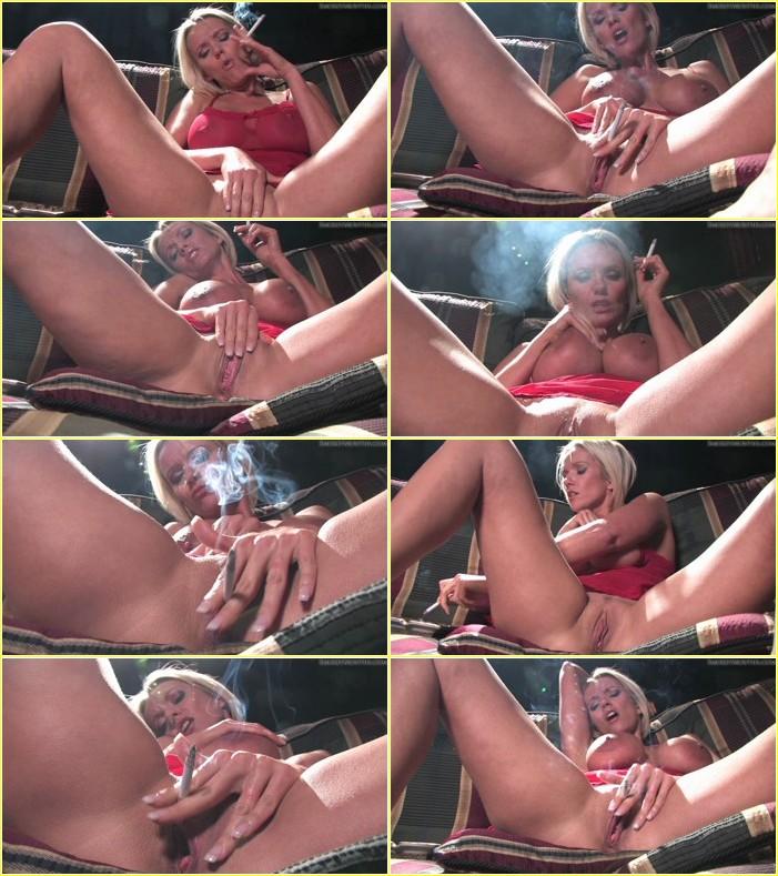 Lucy_Zara_smoking_masturbation,