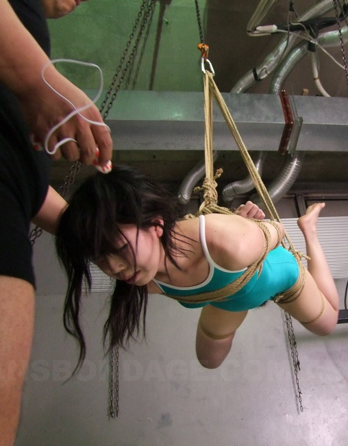 An Orie in bondage enjoys some nasty toying