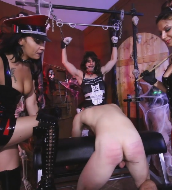 Esmi Lee & Isobel Devi Break In New Slaves