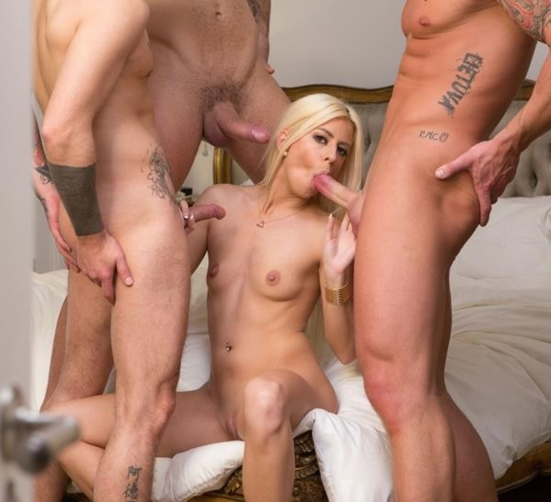 Jessie%20Volt%20 %20Gangbanged%20By%203%20young%20men cover - Jessie Volt - Gangbanged By 3 young men