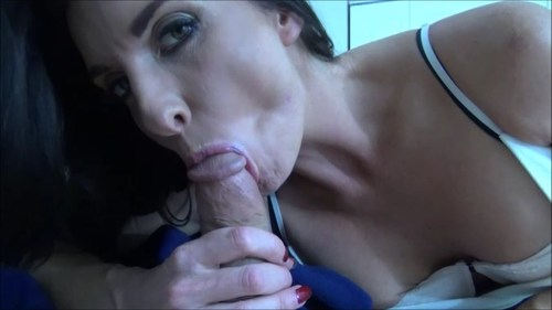 Blue eyes suck amp facial 3