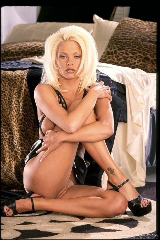 Porn Star Chloe Jones Anal Dildo